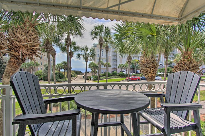 NEW! Family Friendly Florida Apt - Walk to Beach!