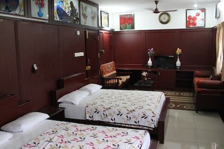 Spacious Rooms with Private Dining & Kitchen - Coimbatore - Bed & Breakfast