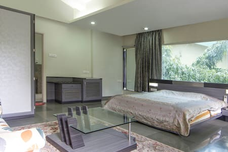 Sophisticated Stay in Koregaon Park - Pune