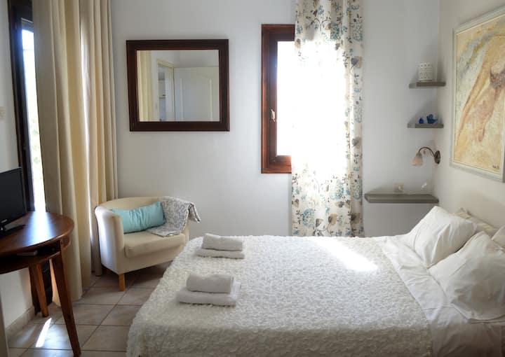 Villa Myrtia (ground floor apartment)