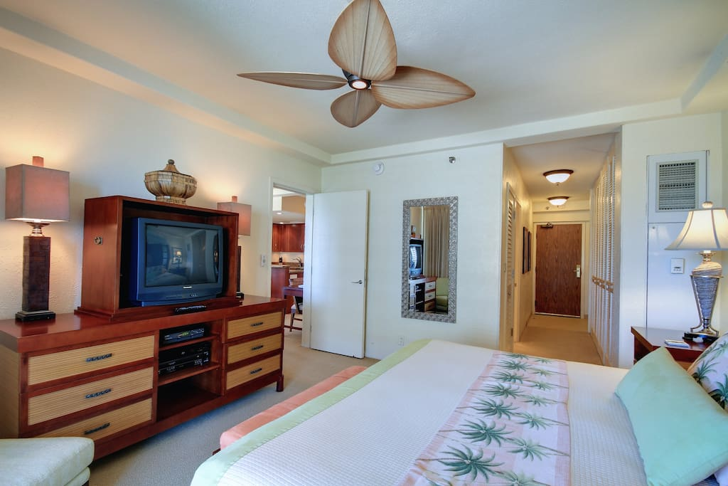 A large master suite with a king bed, private bathroom and washer/dryer, it also provides a separate entrance.