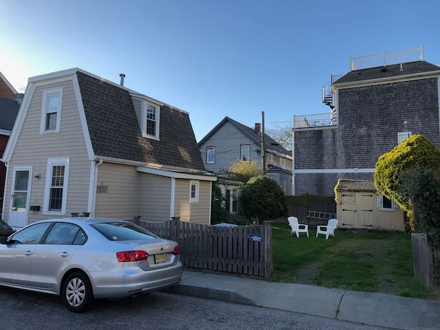 Perfect Cottage in Downtown Newport