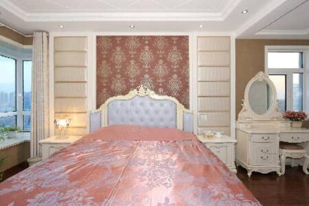 别处公园里 近花果山月牙岛直达海滨轻奢欧式3室套房
