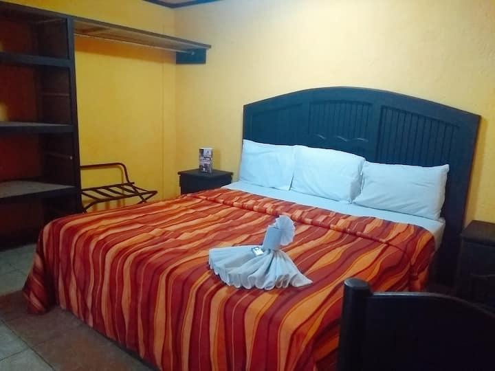 Hotel muy cerca del aeropuerto de Toluca.