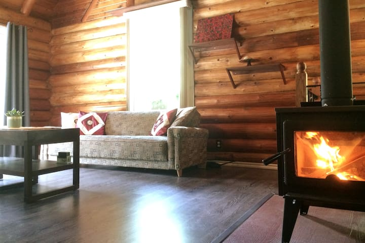 Log Home Guest Suite on 12 Acres in Nakusp