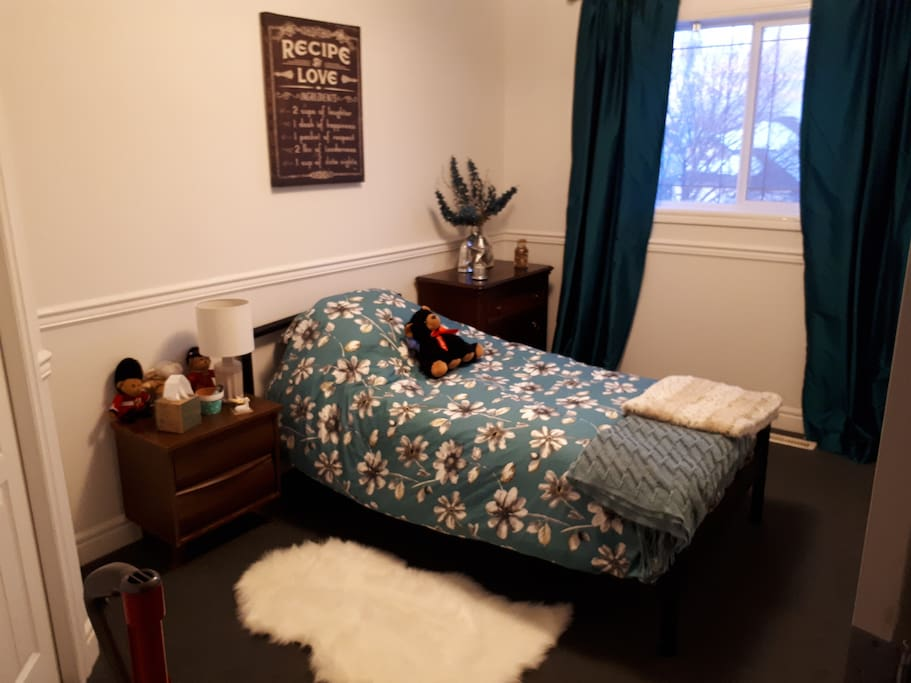 The guest room.