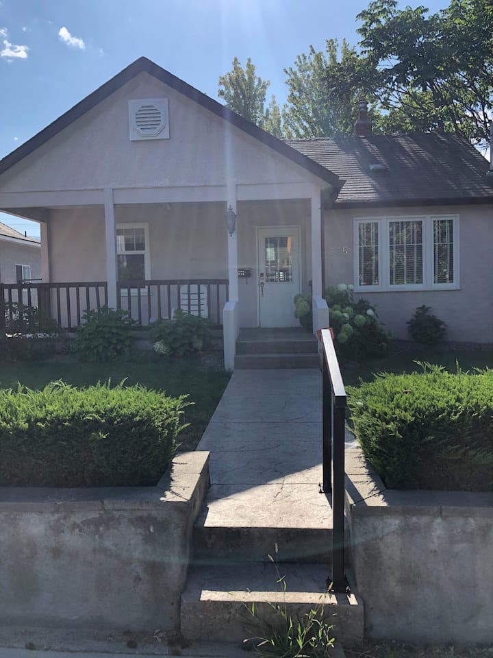 Pristine 3BR Home | Very Close to Downtown