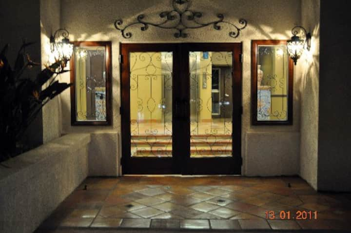 Luxurious La Costa Chateau