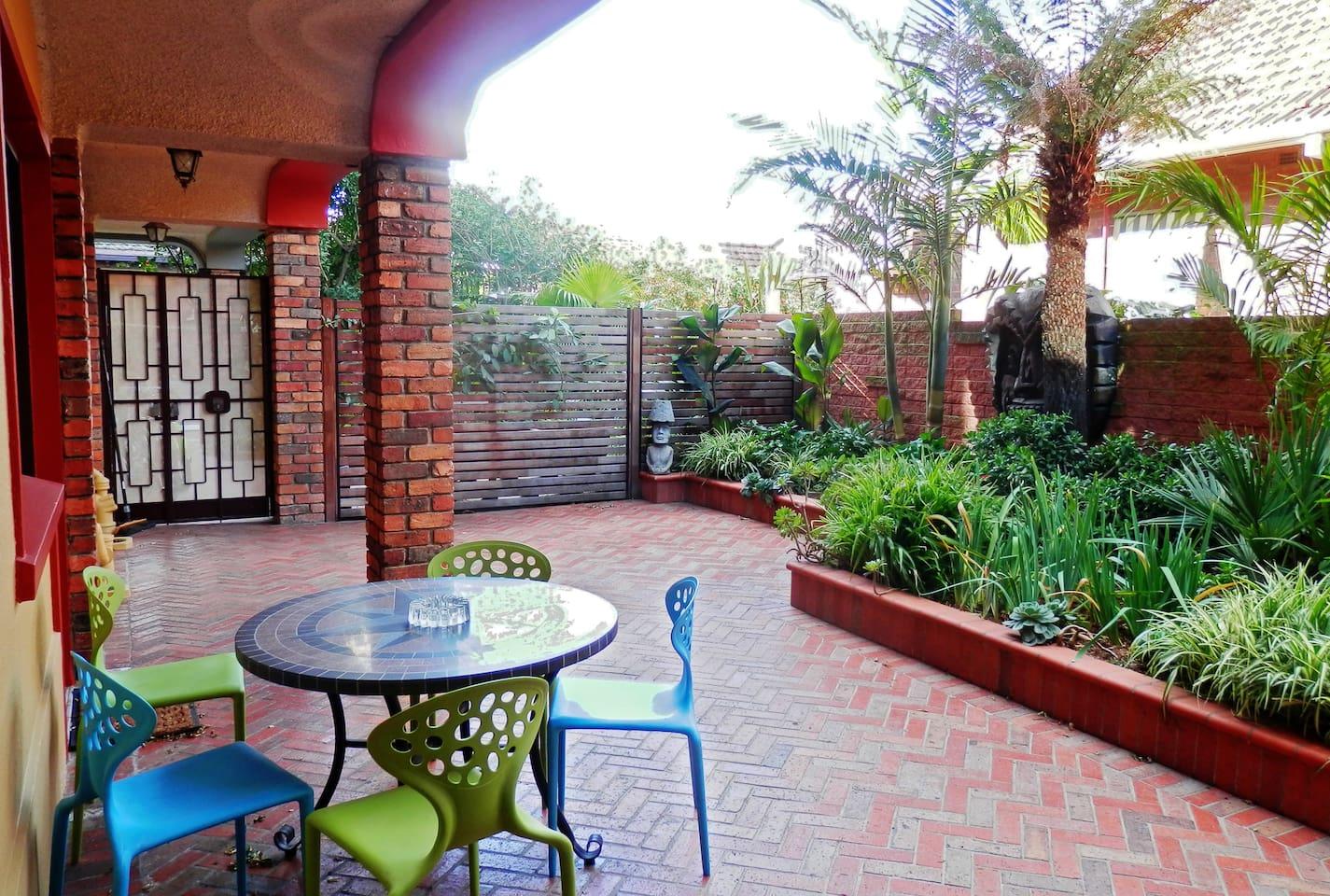 Lush Tropical Garden with Tikis!