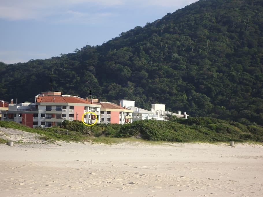 Vista condomínio da praia