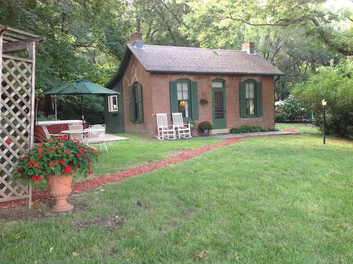 Pierce Cottage Guest House Brownville, NE
