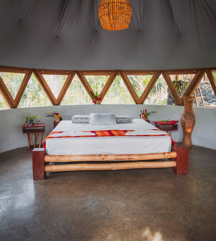 Stay in a luxurious Geo-Dome Home at El Pital
