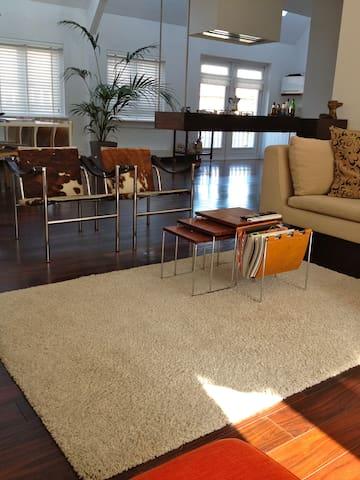 Slapen in een luxueus Stads-appartement in Alkmaar - Alkmaar - Lejlighed