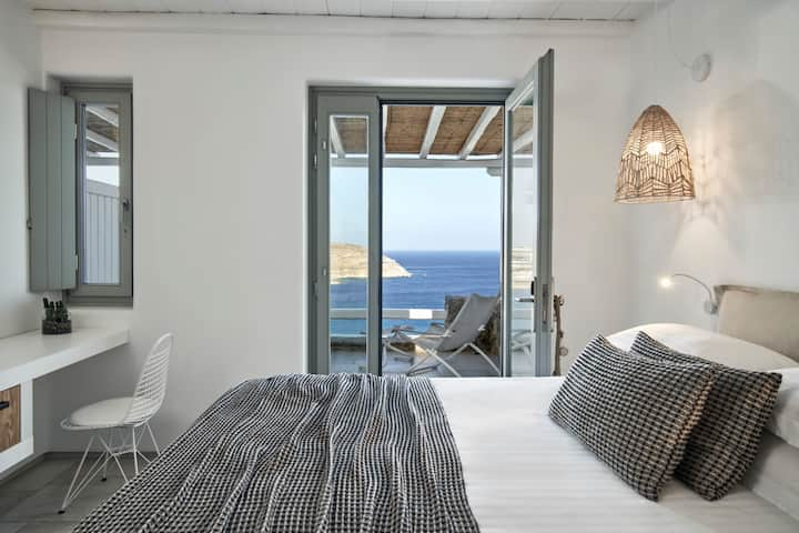 Cozy room sea view