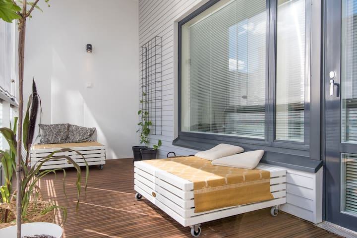 New and cosy apartment with parking in Lauttasaari