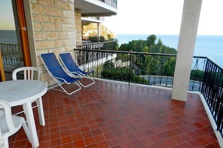 Stunning 2 Bedrooms 2 Bathrooms Sea View - Ospedaletti - Διαμέρισμα