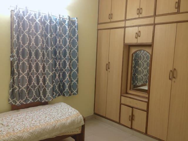 JP Nagar- Bedroom in a spacious duplex