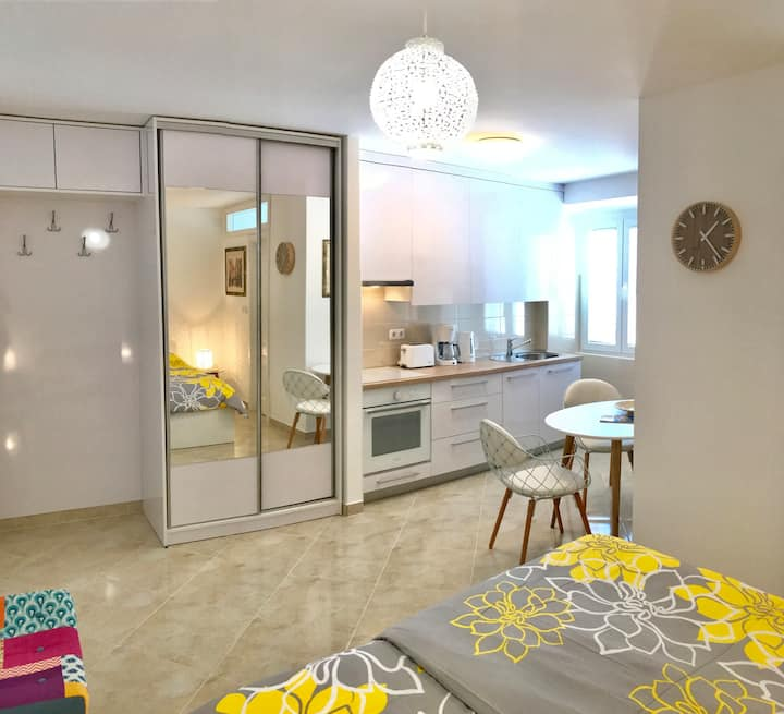 New studio apartment in Rab - perfect for couples