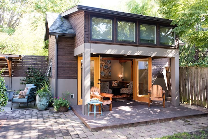 """Little House"" Living in Ballard - Seattle - Haus"