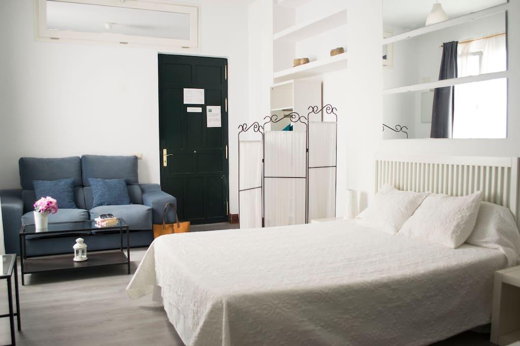 C ntrico tranquilo y acogedor apartamento apartamentos for Alquiler apartamento vacacional sevilla