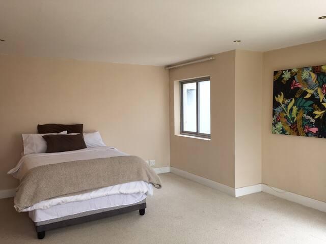 Sunset Studios - Master bedroom - Cape Town - Dům