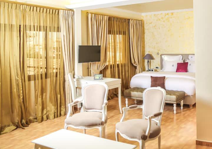 Hébergement privé SUITES (HOTEL) Douala, Bonapriso
