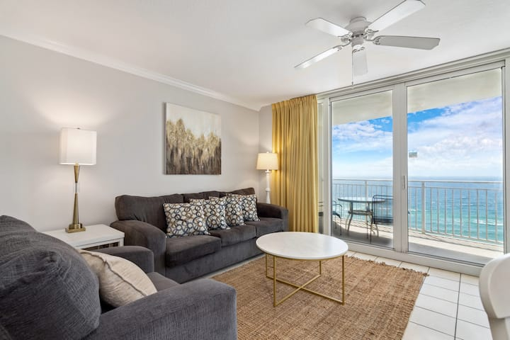 ⭐️ New Luxury Beachfront! Near Pier Park. Sleeps 6