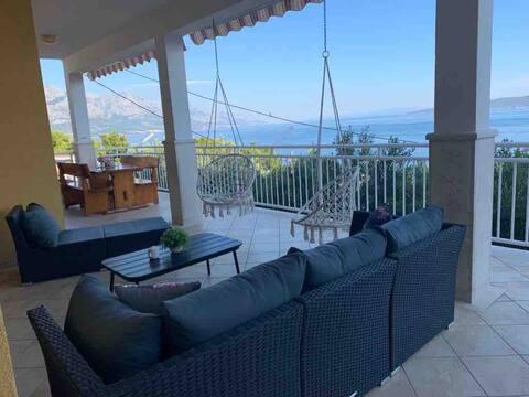 Omis Relaxing Sea lounge