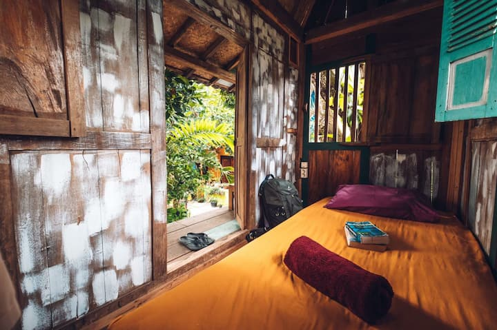 Nextdoor homestay Treehouse room