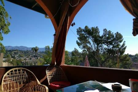 Hillside Master Bedroom - Los Angeles - Haus
