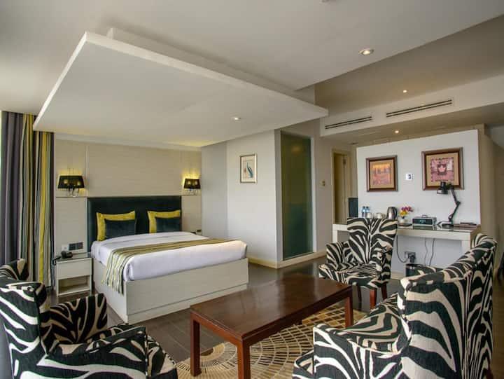Cloud Hotel & Suites 4 Star