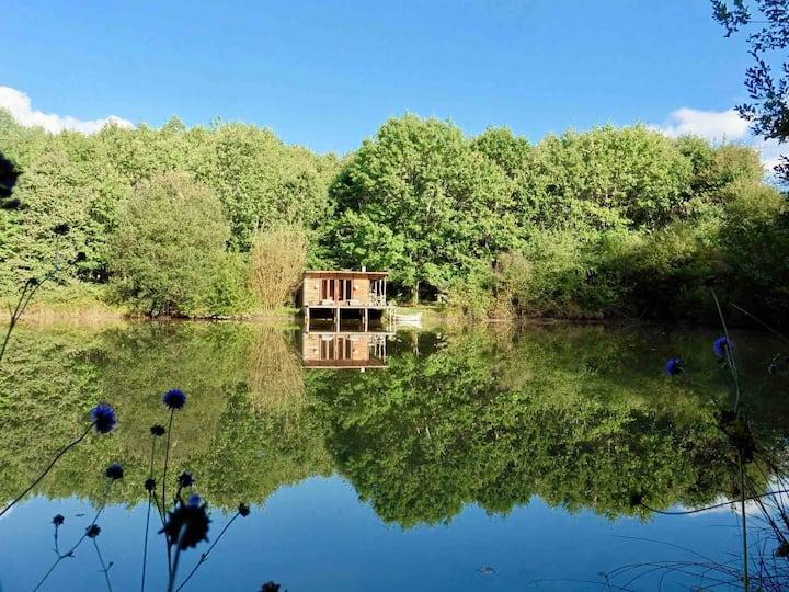 La Cabane au bord de l'eau