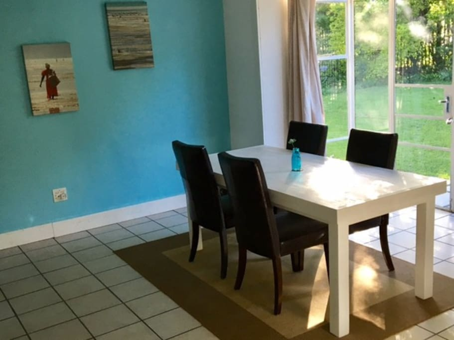 Bright airy fully fitted kitchen with modern amenities