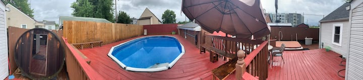 Heated Pool, Hot tub,Sauna-3 bedrooms, 2 full bath