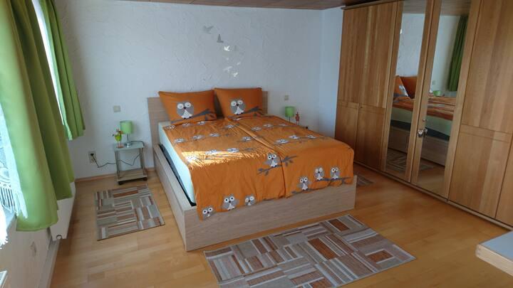 Das Vogelnest - kuscheliges Bett - große Terrasse