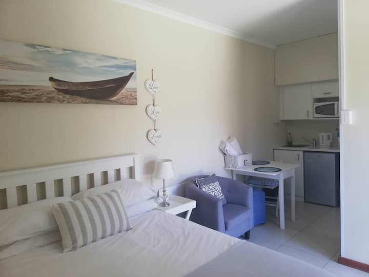 Dolphin Place - self catering accommodation
