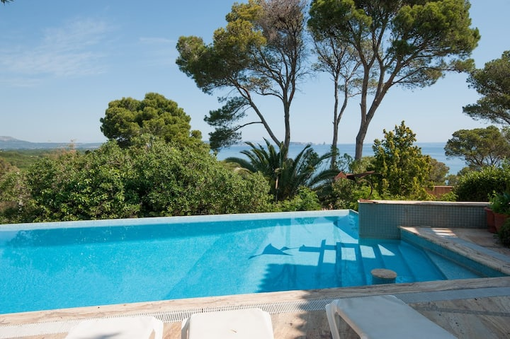 Begur Villa for 8 near beach and with private pool