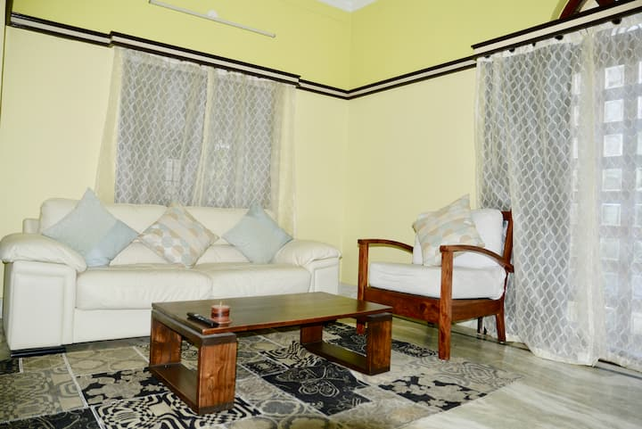 Salt lake BnB Kolkata near Hyatt, City center mall