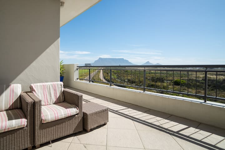 Close to beach with views of Table Mountain