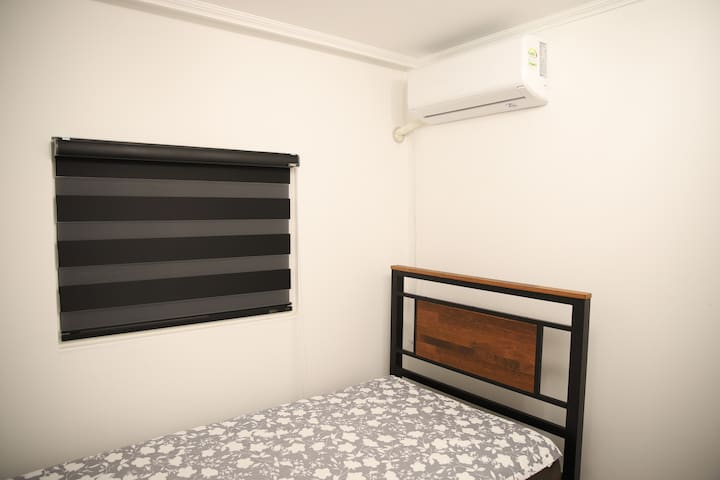 B) Affordable, Clean, Cozy; 7min from station