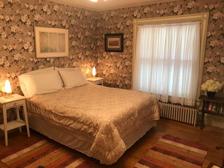 1894 Kingsbury House - Magnolia Room