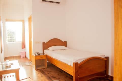 Standard Single Room with Breafast in Karimganj