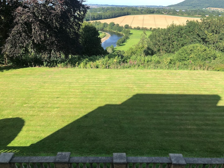 Carefree Cottage in an outstanding location. AONB