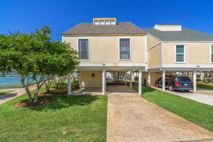 Sandpiper Cove Villa 19, PRICE REDUCTION FOR AUGUST!!!Free Golf and Big Kahuna's