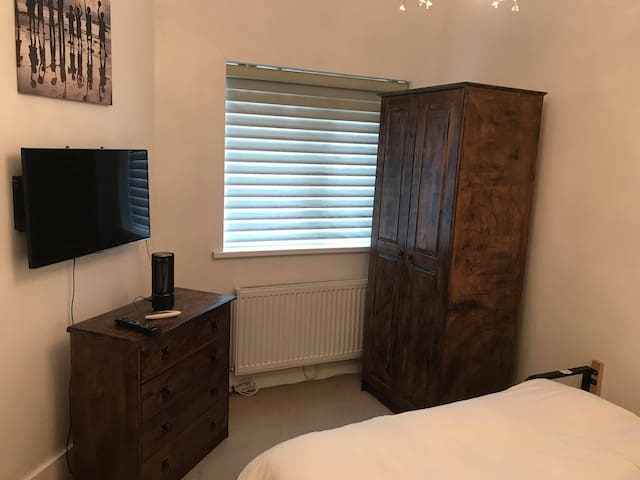 A Double Bedroom In Lewisham