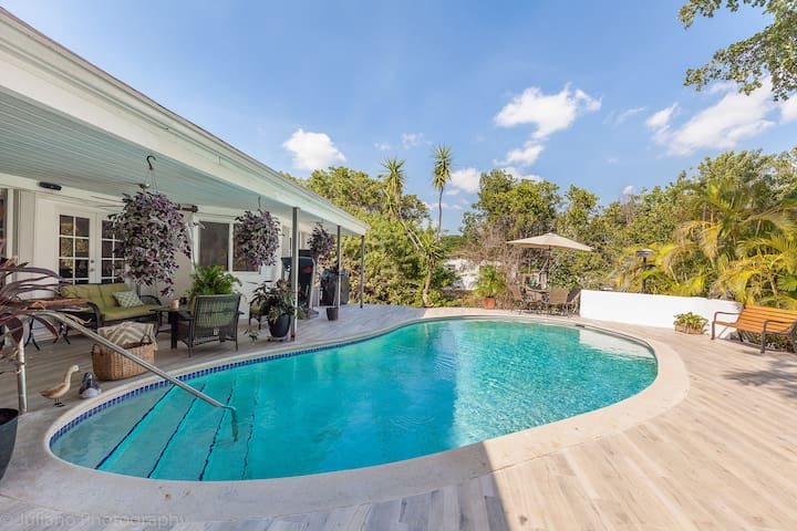 4B Gorgeous Enchanted Lakes Villa - Aventura - Huis