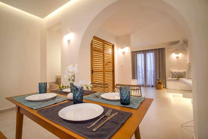 Margarenia Split -Level 4 Beds Hotel Apartmet