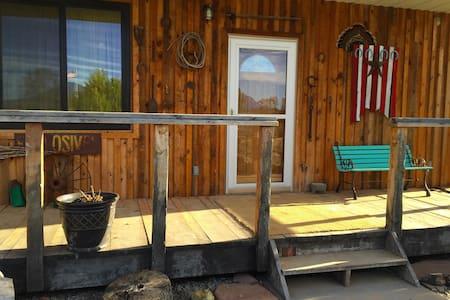 Stunning Bunkhouse 2BR Cabin - Blanding