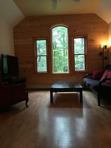 Lakeside Loft in NE. PA; located off Rt.17 NY