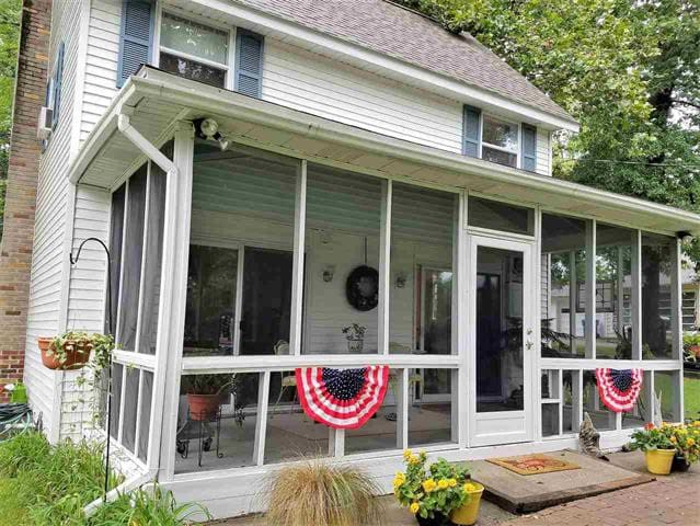 Hilltop Home with Lake Maxinkuckee Views - Culver - Ev